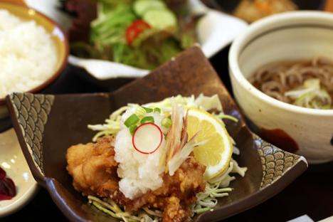 富山駅前 海鮮丼ランチ