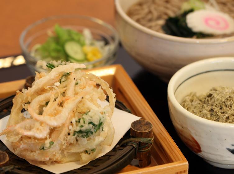 かき揚げ蕎麦と昆布飯