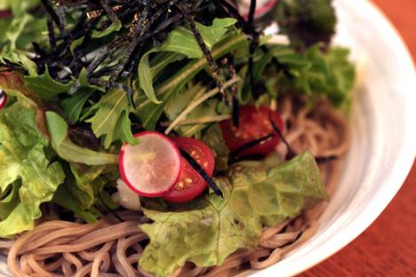 富山駅前 居酒屋 蕎麦サラダ
